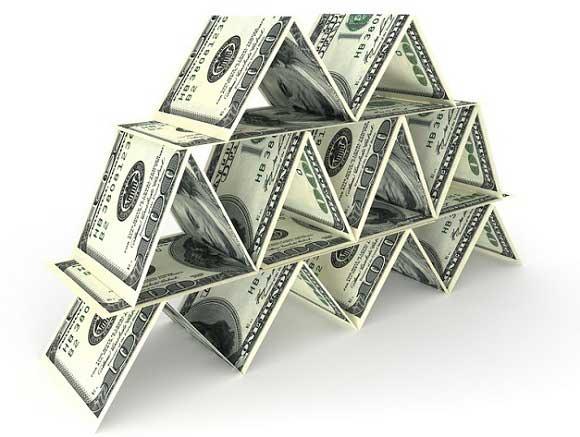 Diferencias entre esquemas ponzi y sistemas piramidales